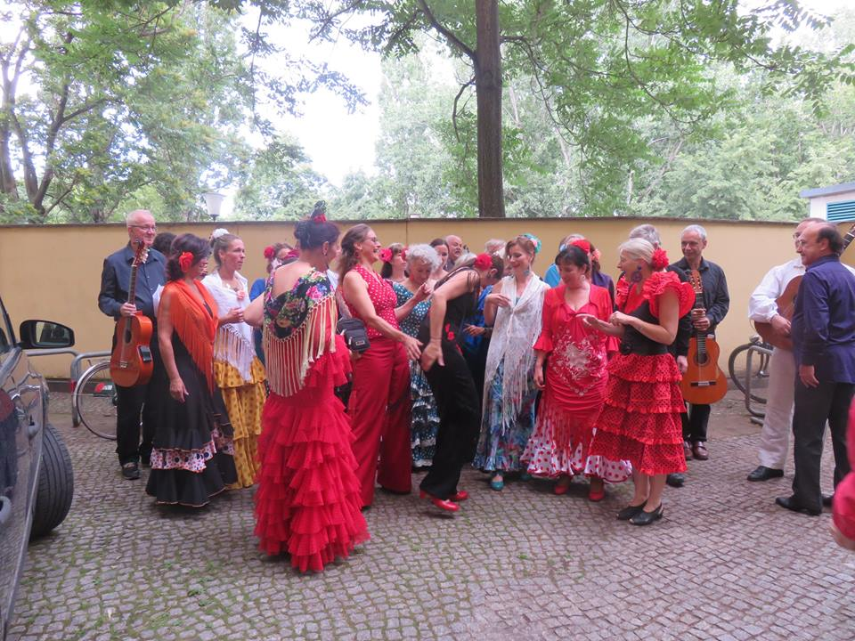 Coro flamenco in in kostuum